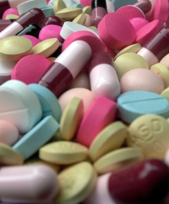 pills-tablets-2-1524560-1279x1540